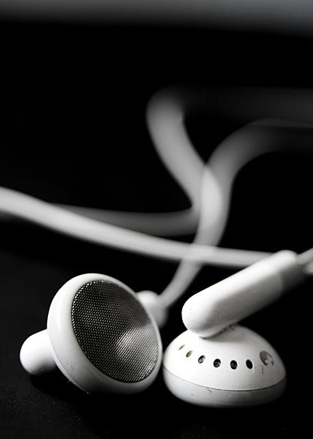 4807_headphoneso.jpg